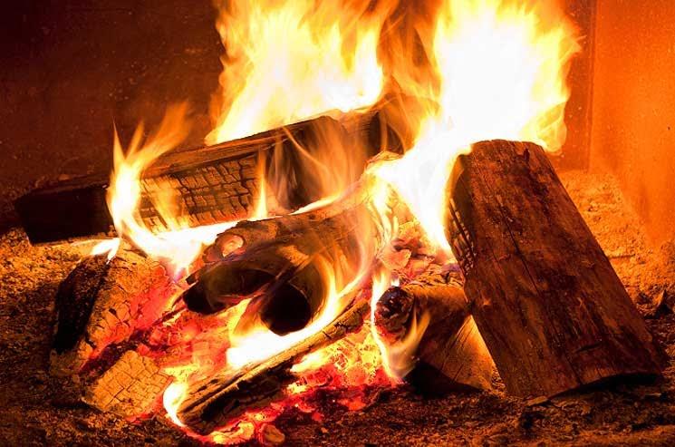 Perubahan kimia membakar kayu