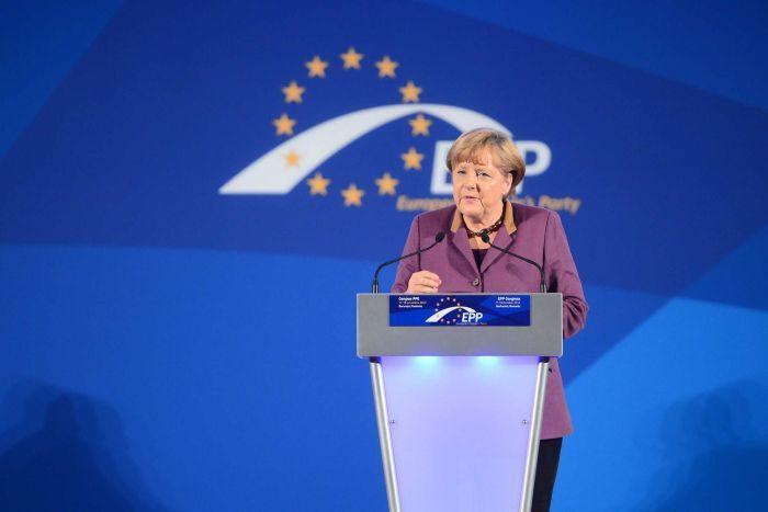 Angela merkel ilmuwan politik