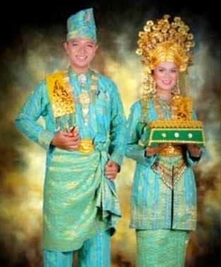 Pakaian Adat Kepulauan Riau 2